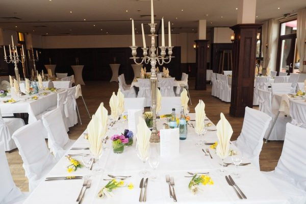 wedding-table-ballroom